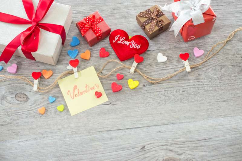 Reasons You Need To Buy Valentine's Gift Online